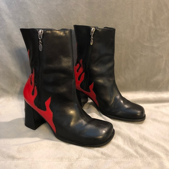 57b9e2aab4d5 Harley-Davidson Shoes - Harley Davidson Black Leather Red Flame Boots